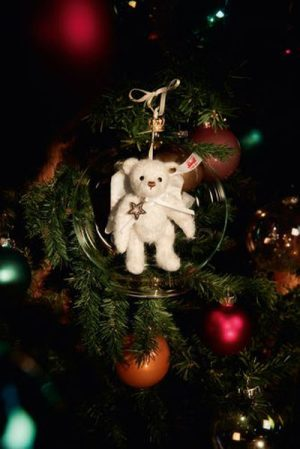 Gabriel Teddy Bear in Bauble Ornament - Steiff Limited Edition EAN 006739