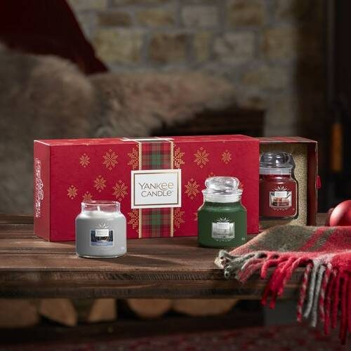Christmas Gift Sets 2019.Yankee Candle 3 Small Jar Candle Gift Set 2019