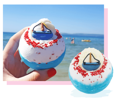 Dunk-in Sailor Boat Bath Bomb, 160g - Bomb Cosmetics